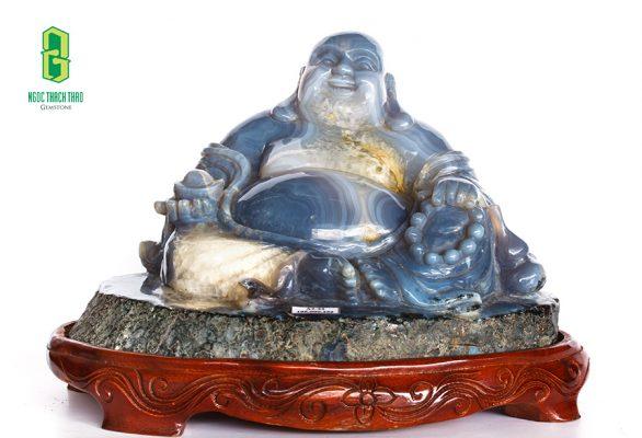 Tượng Phật Di lặc được tạc từ đá mã não chất lượng cao
