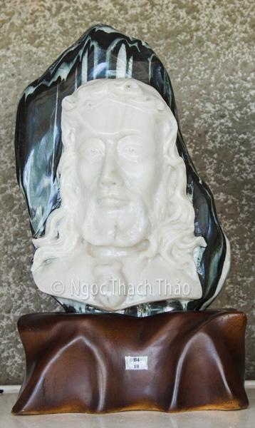 Tượng chúa Jesu đá tuyết sơn