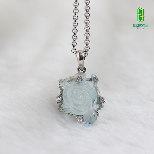 Ý nghĩa phong thủy của đá Aquamarine