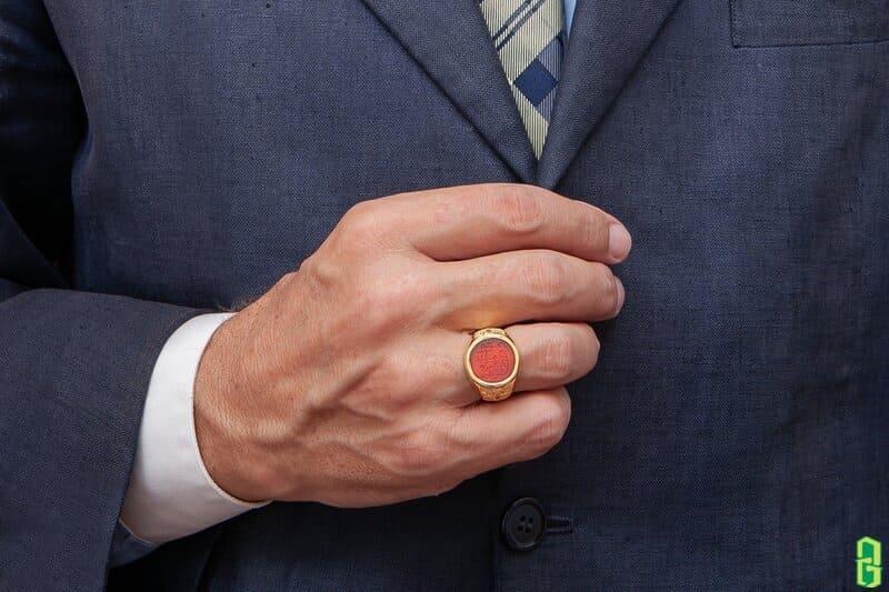 Nhẫn đá mã não đỏ tăng độ nam tính và quyến rũ hơn trong mắt các cô gái