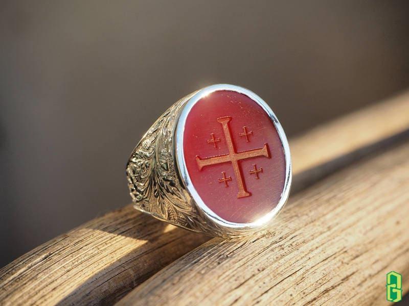 Nhẫn đá mã não đỏ trong phong thủy
