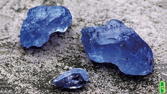 Tinh thể đá spinel xanh lục yên