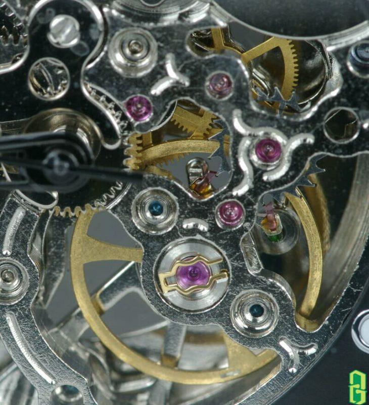 Đồ trang sức và tinh thể corindon(corundum) trong ngành công nghiệp đồng hồ
