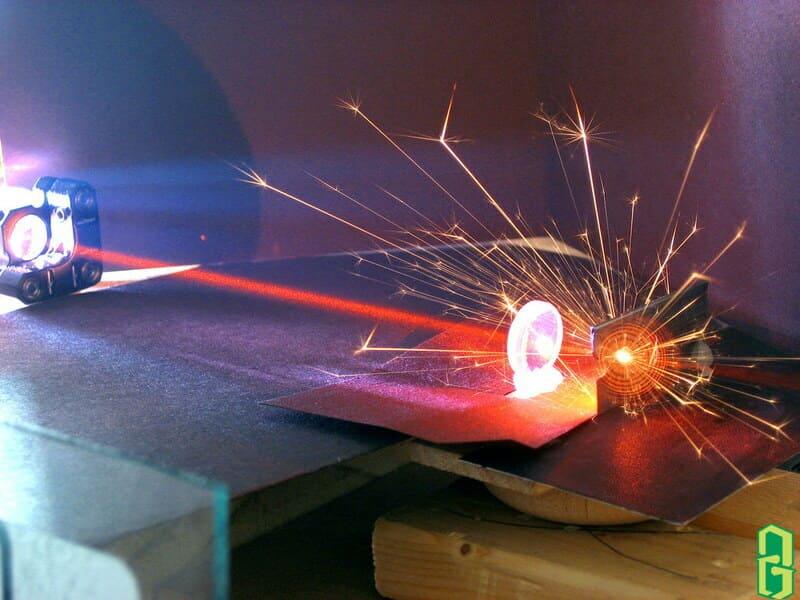 Ứng dụng của corindon trong tia laser